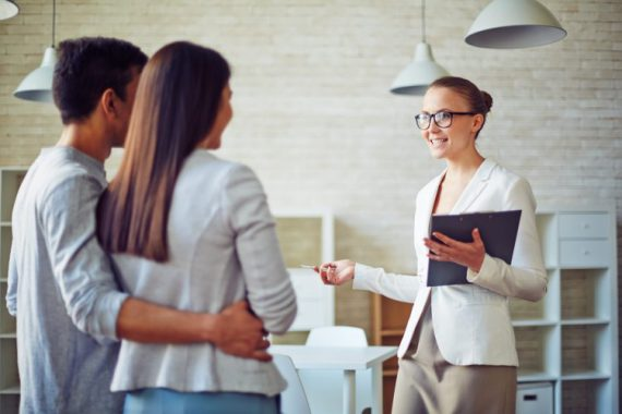 4 reasons to hire a real estate agent experience